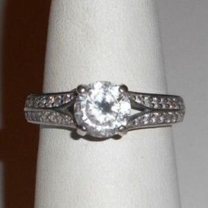 Jewelry - 💍💎😱Sterling Silver Engagement Solitaire Ring